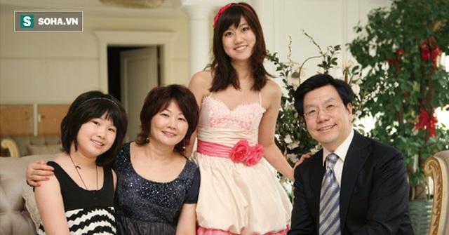 Gia đình hạnh phúc của Tiến sĩ Lee.