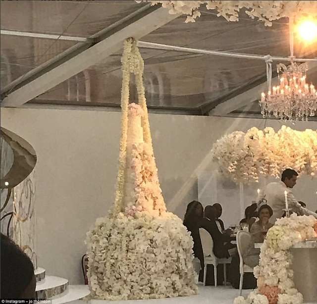 Một số hình ảnh khác trong lễ cưới.