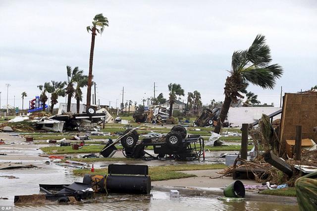 Thiệt hại mà bão Harvey gây ra được đánh giá là rất nặng nề. Ảnh: AP