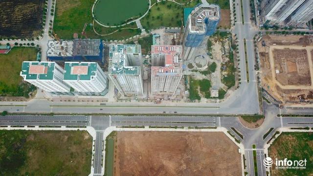 Do các đường nội khu chưa được thông với đường 60m, dẫn ra đường Phạm Văn Đồng và Võ Chí Công nên thay vì được đi tuyến đường mới chỉ dài 300m ra đường Võ Chí Công, hiện nay người dân khu vực này phải đi đường vòng ra đường Phạm Văn Đồng xa hàng km.