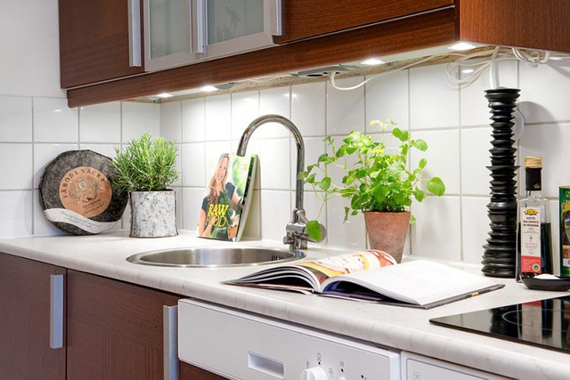 Từng góc nhỏ trong căn hộ này đều chứng tỏ chủ nhà rất chăm chút. Cây xanh được mang vào khắp không gian để tạo nét tươi mới cho không gian.