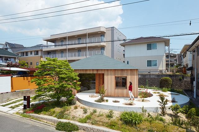 Thiết kế độc đáo tạo điều kiện thuận lợi cho đam mê làm vườn của chủ nhà.