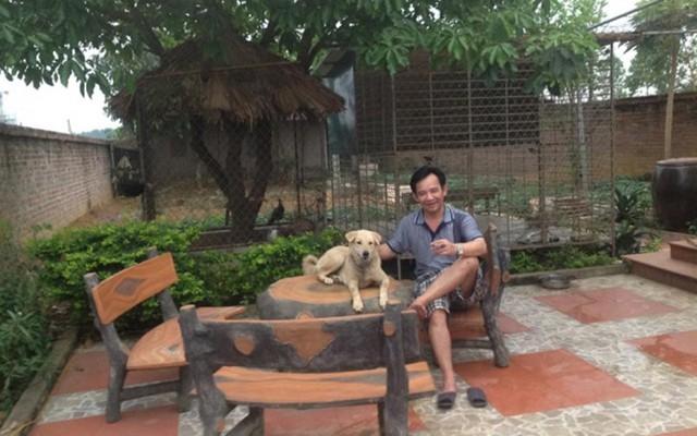 Ngoài 2 căn nhà nói trên, Quang Tèo còn sở hữu 1 nhà vườn có tổng diện tích hơn 1000m2 tại Thạch Thất, Hà Nội. Mỗi dịp rảnh rỗi, anh lại cùng gia đình, bạn bè về thăm nhà vườn để tận hưởng khoảng không gian xanh mướt, thư thái của vùng quê.