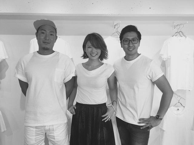 Anh Natsume Rio cùng vợ và người bạn thân Tsukioka Nobuya, chủ xị của #FFFFFFT.