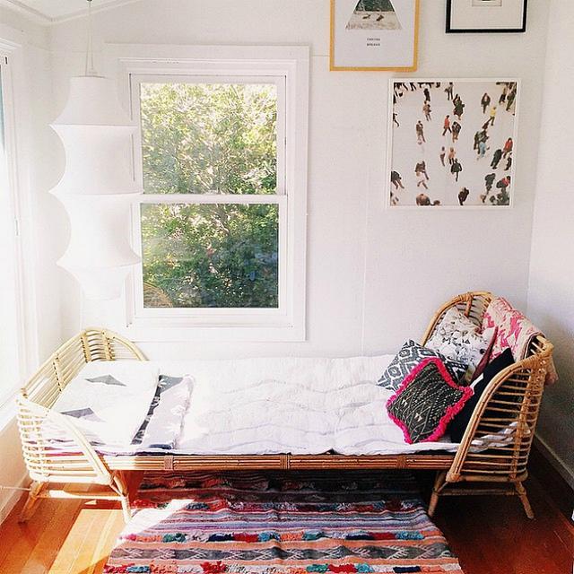 Còn gì tuyệt vời hơn khi được nằm trên chiếc giường mây êm ái này.