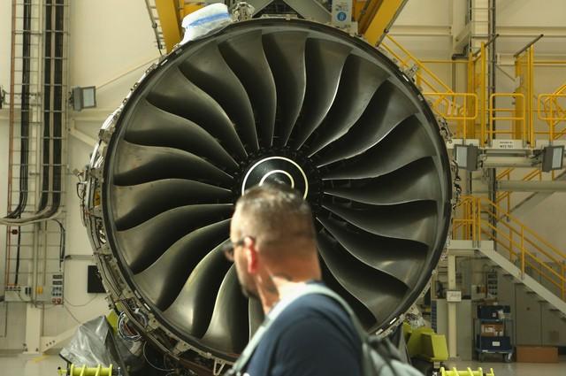 Trent XWB được Rolls-Royce lắp đặt bên trong nhà máy mới xây dựng nằm ở ngoại ô Berlin, Đức. Đây là loại đông cơ công suất lớn, có thể tạo ra lực đẩy lên tới 42 tấn/chiếc. Ảnh: Getty