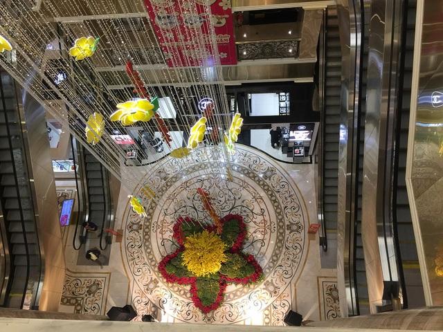 Theo quan sát, ngày tết nhu cầu mua sắm nhiều nhưng lượng khách ra vào khu trung tâm thương mại vào ngày 26 tết rất ít.
