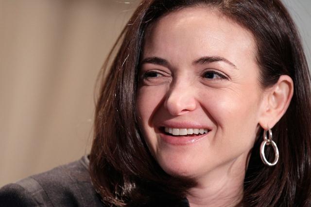Bà Sheryl Sandberg đã mạnh mẽ đối diện với nỗi đau và tìm thấy sự kiên cường của bản thân.