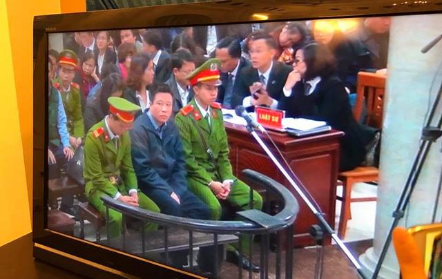 Hà Văn Thắm xuất hiện với hình ảnh gầy sọp so với trước.