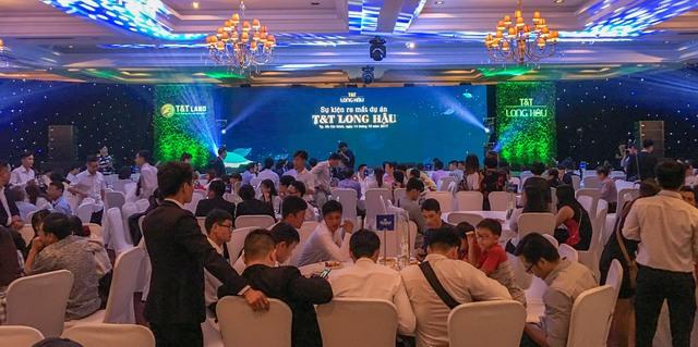 Sự kiện ra mắt dự án T&T Long Hậu đã thu hút sự quan tâm đông đảo của khách hàng.