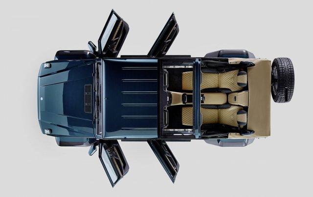 Toàn cảnh thiết kế của chiếc xe Mercedes SUV G650 Landaulet từ trên cao.