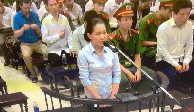Phiên tòa sáng 20/9: Nguyễn Xuân Sơn nói nếu muốn chiếm đoạt tiền, hoàn toàn có thể yêu cầu Hà Văn Thắm chi nhiều hơn - Ảnh 1.