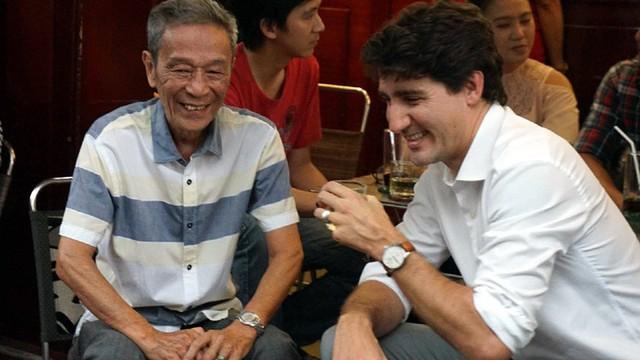 Thưởng thức cà phê Sài Gòn: Thủ tướng khen cà phê ngon, cà phê số 1 - người đàn ông đi cùng Thủ tướng Canada chia sẻ với Vietnamnet.vn