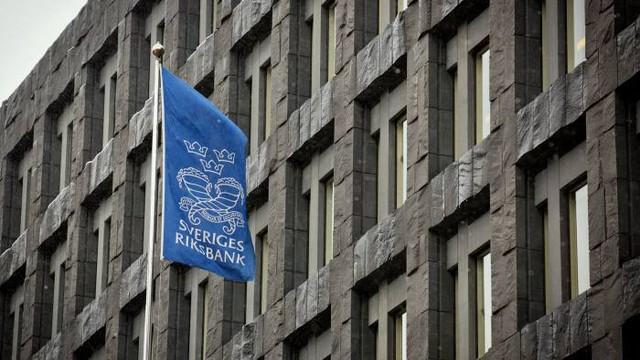 Chính sách về lãi suất là nguyên nhân khiến người dân và doanh nghiệp Thụy Điển để tiền thừa trong các tài khoản thuế.
