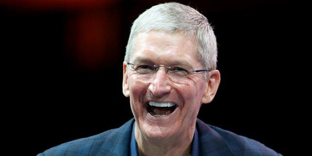 CEO Tim Cook của Apple đã sở hữu bằng kỹ sư công nghiệp của đại học Auburn và bằng MBA của trường kinh doanh Duke Universitys Fuqua.