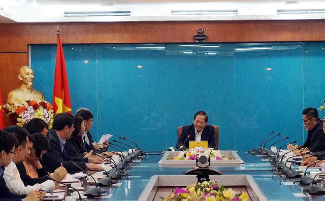 Toàn cảnh buổi làm việc giữa Bộ trưởng Trương Minh Tuấn với các doanh nghiệp có sản phẩm quảng cáo và các công ty kinh doanh dịch vụ truyền thông.