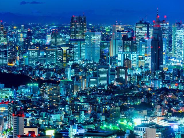 Cùng với đó là hệ thống giao thông phức tạp và những tòa thấp cao nhất thế giới, giúp đảm bảo chỗ ở cho hơn 10 triệu người.