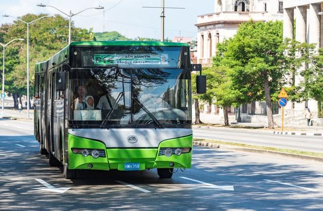 Xe bus Yutong hoạt động tại Thủ đô La Havana, Cuba.