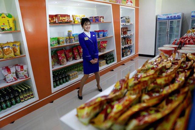 Phần lớn các sản phẩm được sản xuất ngay tại Triều Tiên dù vẫn còn một số có nguồn gốc từ Trung Quốc. Dưới thời nhà lãnh đạo Kim Jong Un, hàng hóa nội địa được đẩy mạnh và người Triều Tiên cũng được khuyến khích sử dụng hàng hóa trong nước.