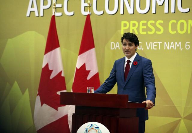 Thủ tướng điển trai Justin Trudeau và quyết tâm bảo vệ người dân Canada - Ảnh 10.