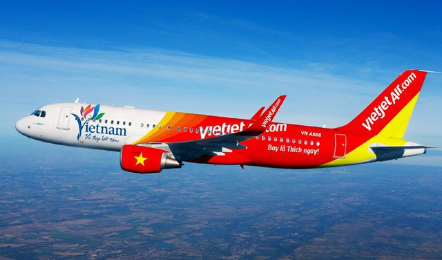 ĐHCĐ Vietjet Air: Mục tiêu doanh thu 1,8 tỷ USD, nới room ngoại lên 49% - Ảnh 1.