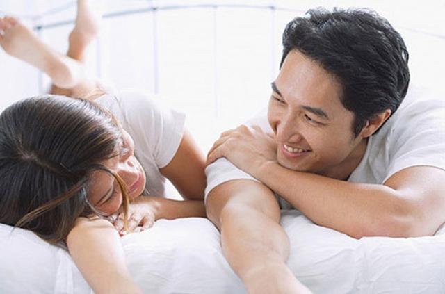 Hãy cùng nhau làm những điều yêu thích để hâm nóng tình cảm vợ chồng.