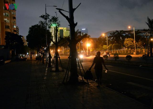 Tuy vậy, với điều kiện ánh sáng hạn chế như hiện tại, không thể tạo điều kiện cho người dân trong khu vực đi lại thuận tiện hơn.