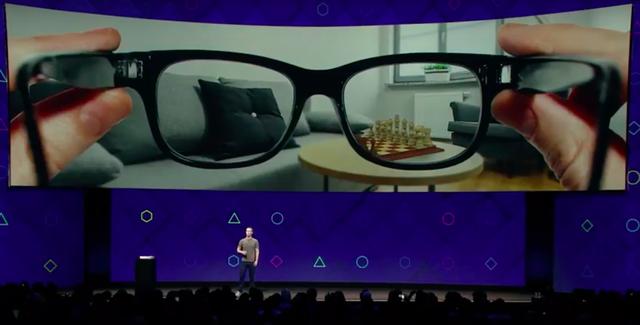 Zuckerberg nói về công nghệ mới trong sự kiện F8 thường niên của Facebook.