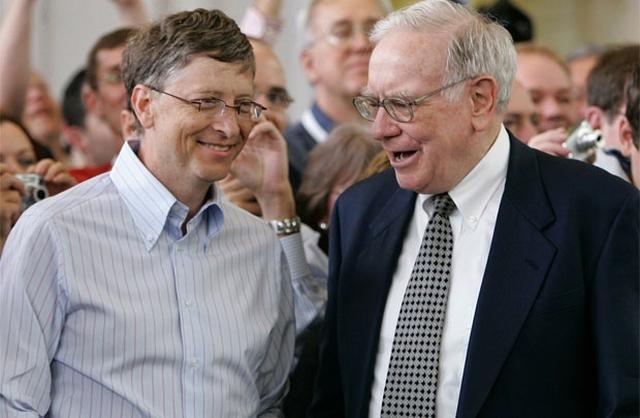 Warren Buffett và Bill Gates đã có một tình bạn đẹp trong suốt 25 năm.