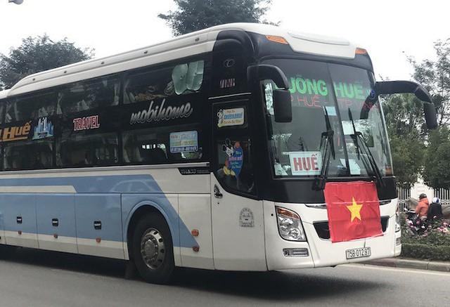 Muôn kiểu trang điểm xe hơi và người trước trận đấu lịch sử của U23 Việt Nam - Ảnh 16.