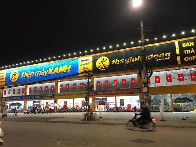 Một không khí rất khác trước ngày diễn ra trận chung kết U23 Châu Á: Màu cờ sắc áo đã tràn ngập khắp phố phường! - Ảnh 18.