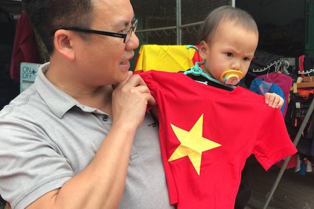 Muôn kiểu trang điểm xe hơi và người trước trận đấu lịch sử của U23 Việt Nam - Ảnh 21.