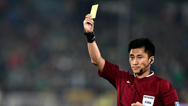 Chân dung vị trọng tài Trung Quốc sẽ bắt chính trong trận chung kết U23 châu Á 2018 - Ảnh 2.