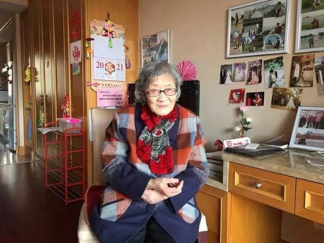 Cụ bà 88 tuổi ở Trung Quốc bán nhà lấy tiền du lịch vòng quanh thế giới - Ảnh 3.