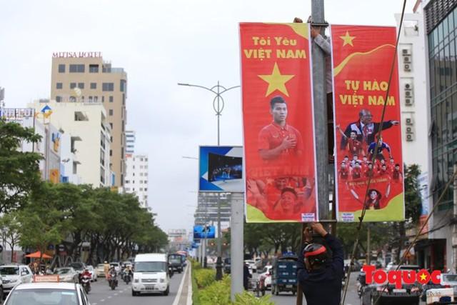 Một không khí rất khác trước ngày diễn ra trận chung kết U23 Châu Á: Màu cờ sắc áo đã tràn ngập khắp phố phường! - Ảnh 22.