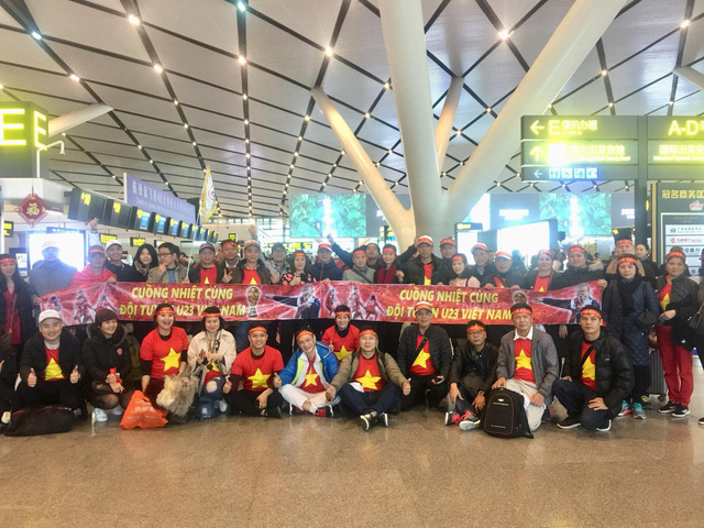 Một không khí rất khác trước ngày diễn ra trận chung kết U23 Châu Á: Màu cờ sắc áo đã tràn ngập khắp phố phường! - Ảnh 41.