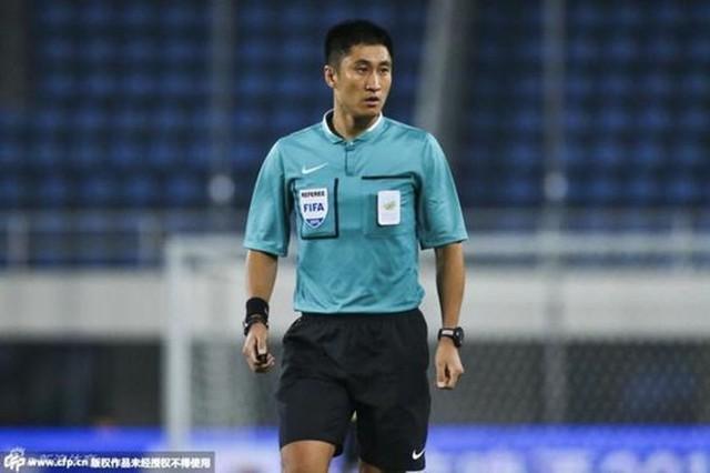 Chân dung vị trọng tài Trung Quốc sẽ bắt chính trong trận chung kết U23 châu Á 2018 - Ảnh 6.