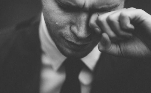 Câu chuyện về ô cửa sổ và dây quần áo bẩn: Ngừng phán xét người khác khi bạn chưa từng đặt mình vào vị trí của họ - Ảnh 1.