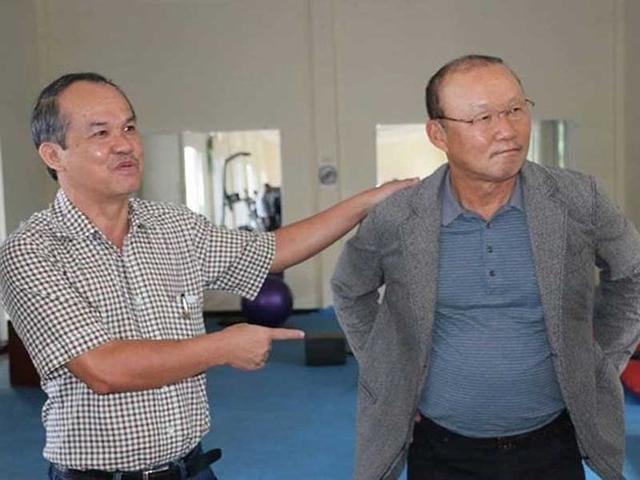 Bầu Đức đích thân sang Hàn Quốc, tự bỏ tiền túi để đảm bảo lương, mời bằng được HLV Park Hang-seo - Ảnh 1.
