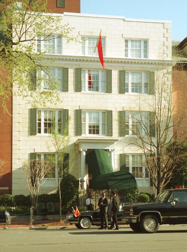 Có gì bên trong khách sạn độc nhất trên thế giới, nằm kế bên Nhà Trắng?  - Ảnh 1.
