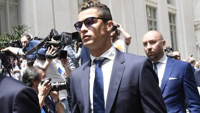 Báo TBN tiết lộ lời Ronaldo: Tôi không học hành, nhưng không ngu và không tin ai cả! - Ảnh 1.