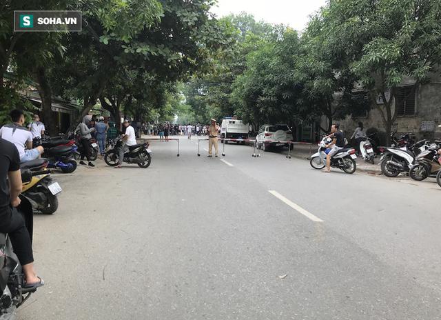 Cảnh sát dùng súng bắn tỉa vây bắt đối tượng hình sự cố thủ trong nhà ở Nghệ An - Ảnh 12.