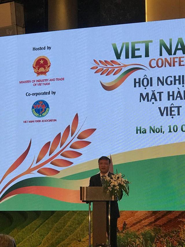 Gạo Việt chiếm 15% tỷ trọng gạo xuất khẩu toàn thế giới nhưng vẫn còn nhiều rào cản để vươn xa - Ảnh 1.