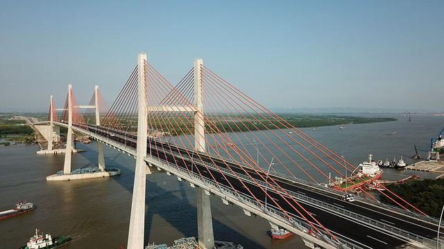 Chiêm ngưỡng cây cầu hơn 7.000 tỷ đồng nối liền Hải Phòng - Quảng Ninh - Ảnh 2.