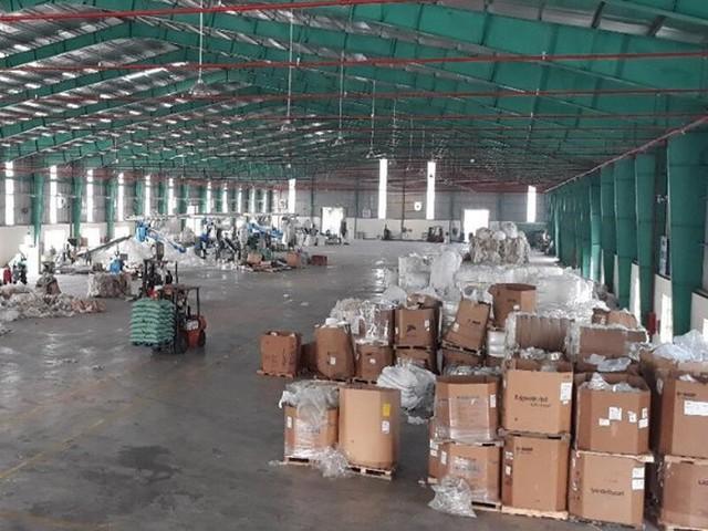 Hơn 15.000 container phế liệu đang lưu tại các cảng - Ảnh 1.