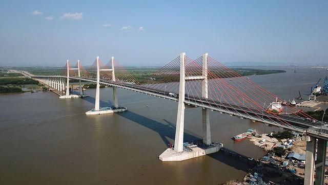 Chiêm ngưỡng cây cầu hơn 7.000 tỷ đồng nối liền Hải Phòng - Quảng Ninh - Ảnh 3.