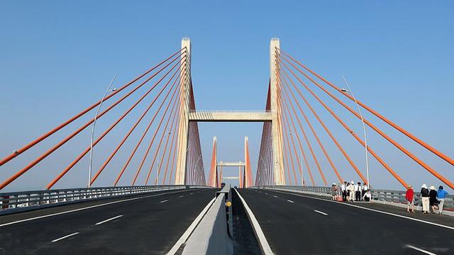 Chiêm ngưỡng cây cầu hơn 7.000 tỷ đồng nối liền Hải Phòng - Quảng Ninh - Ảnh 4.