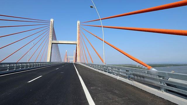 Chiêm ngưỡng cây cầu hơn 7.000 tỷ đồng nối liền Hải Phòng - Quảng Ninh - Ảnh 7.