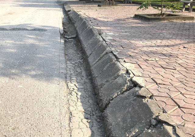 Cảnh hư hỏng, nhếch nhác khó tin ở Khu di tích Truông Bồn hơn 300 tỷ - Ảnh 12.