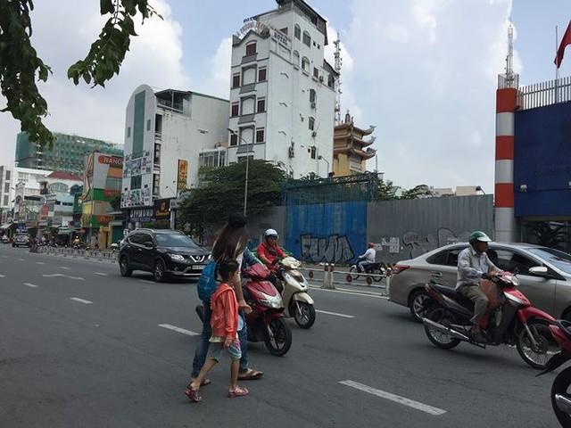 Ôm hàng nghìn m2 đất vàng trung tâm Sài Gòn rồi bỏ hoang chục năm   - Ảnh 4.